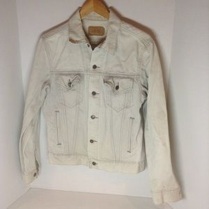 "Vintage Levi's jean jacket ""made in the USA"""